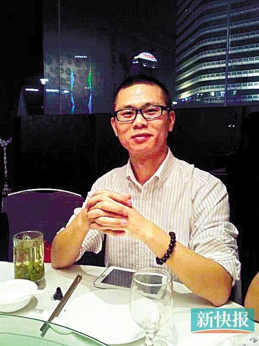 广州积分入户专家、户口网负责人余梁接受《新快报》采访